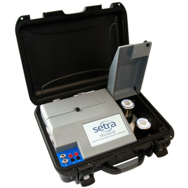 setra-microcal-advanced-pressure-calibrator-opened